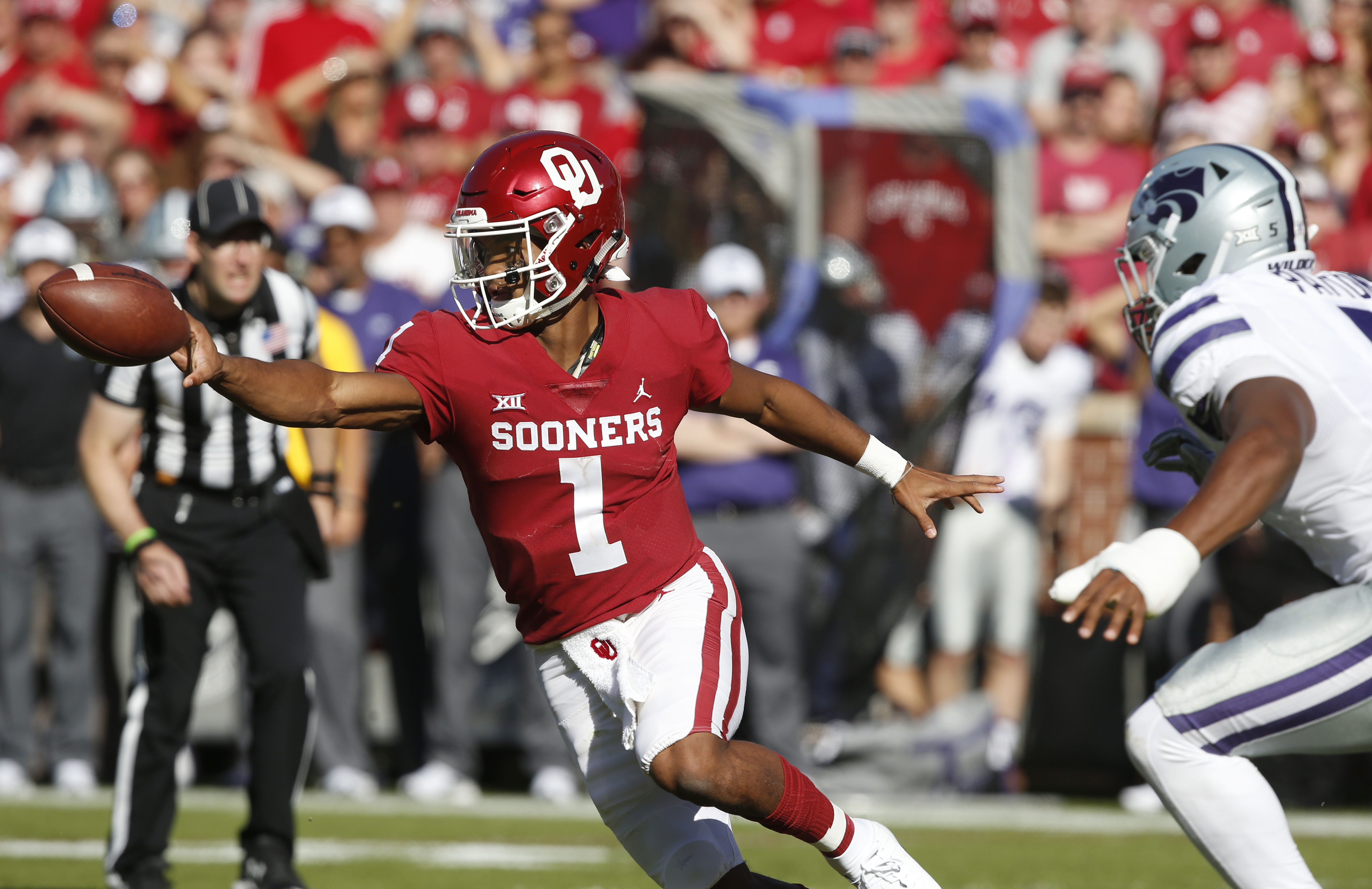 f36b2f966ffe Can Oklahoma quarterback Kyler Murray and the Sooner offense score enough  to offset a potentially bad day for the OU defense  (AP Photo Sue Ogrocki)